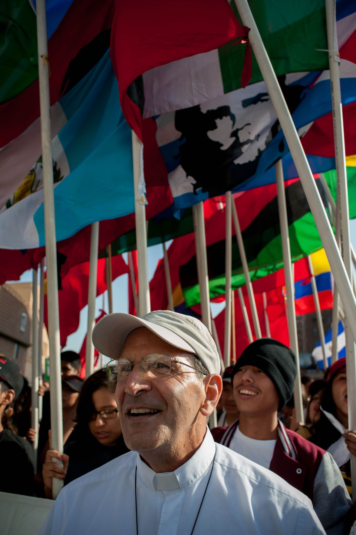 Father Alejandro Solalinde takes part in a May Day Rally in Los Angeles. /LEOPOLDO PEÑA